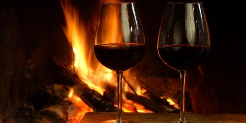 Afbeeldingsresultaat voor wine christmas fire